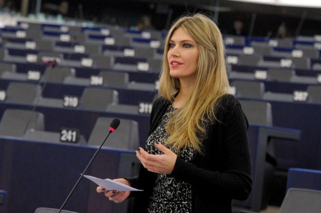 Η Εύα Καϊλή κεντρική ομιλήτρια σε εκδήλωση των PES Activists στη Θεσσαλονίκη | tanea.gr