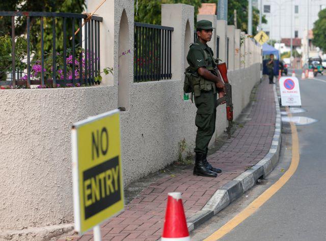 Σρι Λάνκα: Μπλόκαραν την πρόσβαση στα μέσα κοινωνικής δικτύωσης μετά τις επιθέσεις | tanea.gr