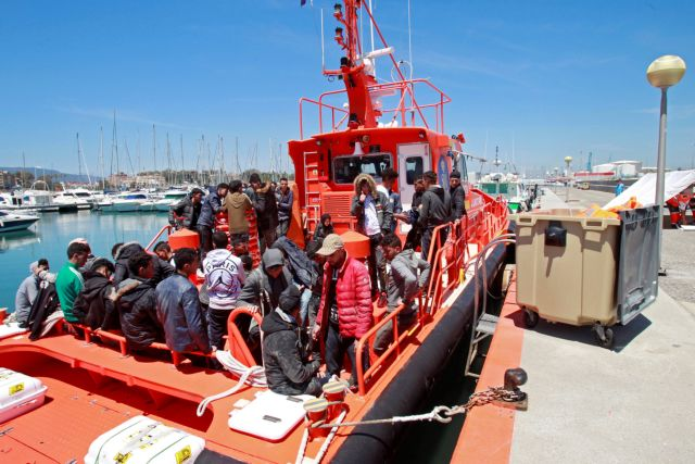 Περιπολικό σκάφος της Μάλτας διέσωσε 85 μετανάστες   tanea.gr