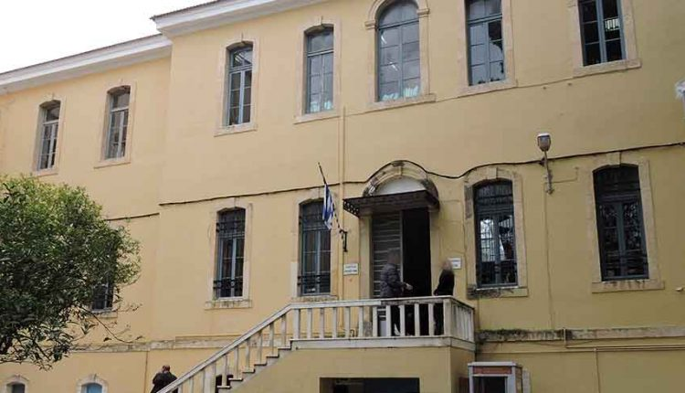 Χανιά: Επιχείρησαν να λιντσάρουν τον δολοφόνο του ιδιοκτήτη μίνι μάρκετ   tanea.gr