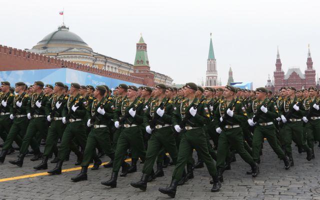 Ρωσία: Μεγαλειώδης παρέλαση για την Ημέρα της Νίκης επί των Ναζί | tanea.gr