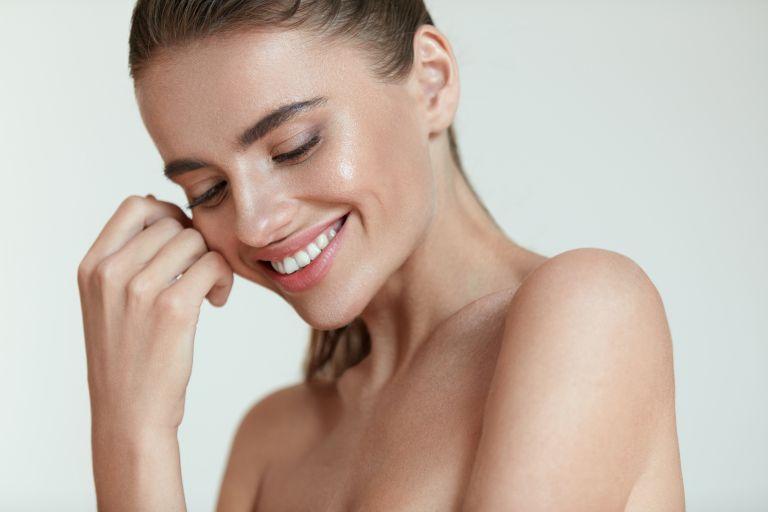 Λαμπερό δέρμα χωρίς foundation | tanea.gr