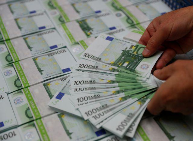 Έρχονται τα νέα άφθαρτα χαρτονομίσματα των 100 και 200 ευρώ | tanea.gr
