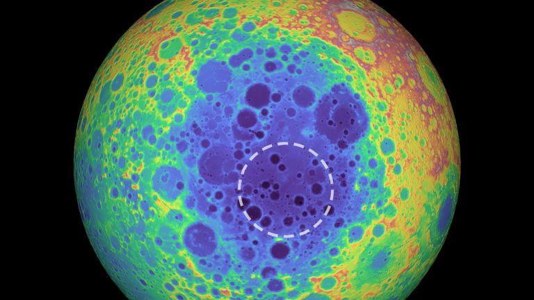 Τεράστια μυστηριώδης μεταλλική μάζα εντοπίστηκε κάτω από τη σκοτεινή πλευρά της Σελήνης | tanea.gr