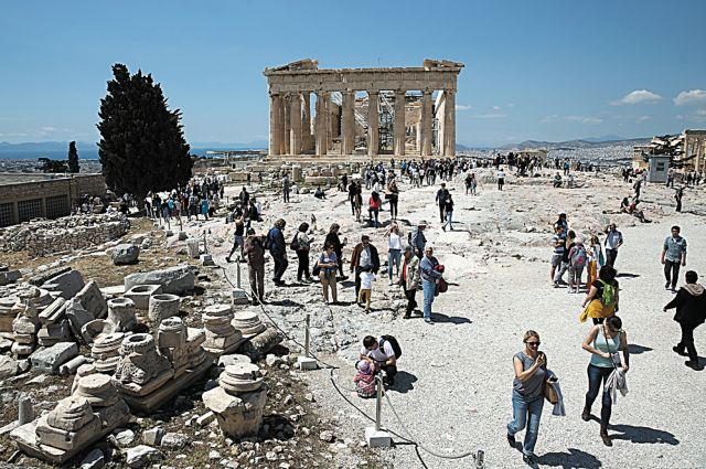 Αναβατόριο στην Ακρόπολη: Παίρνει κεφάλια το υπουργείο | tanea.gr