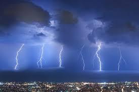 Φονικές καταιγίδες τον Ιούνιο και... ο καιρός τρελάθηκε | tanea.gr