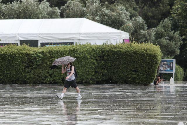 Ποτάμια οι δρόμοι στην Αττική, θα συνεχιστούν οι καταιγίδες την Πέμπτη | tanea.gr