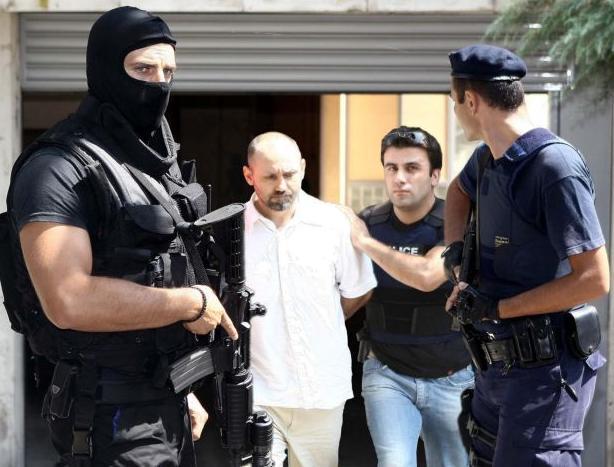 Ο Βασίλης Παλαιοκώστας εξέδωσε βιβλίο για τις αποδράσεις του | tanea.gr