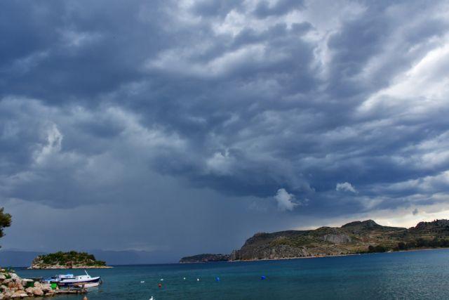 Έκτακτο δελτίο επιδείνωσης καιρού: Καταιγίδες και χαλάζι την Κυριακή   tanea.gr