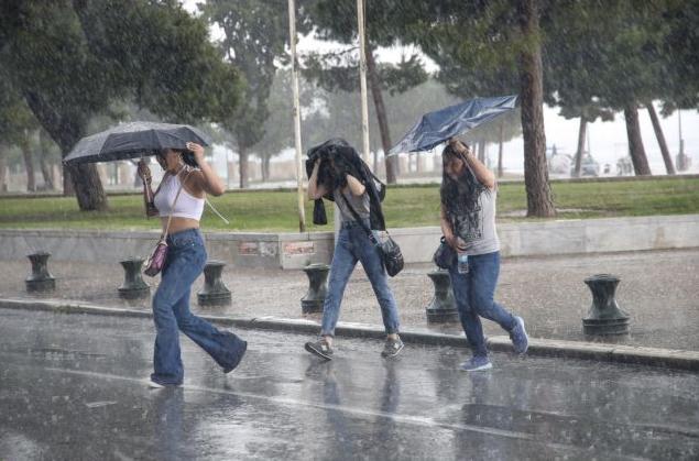 Αστατος ο καιρός την Τρίτη – Πού θα σημειωθούν καταιγίδες | tanea.gr