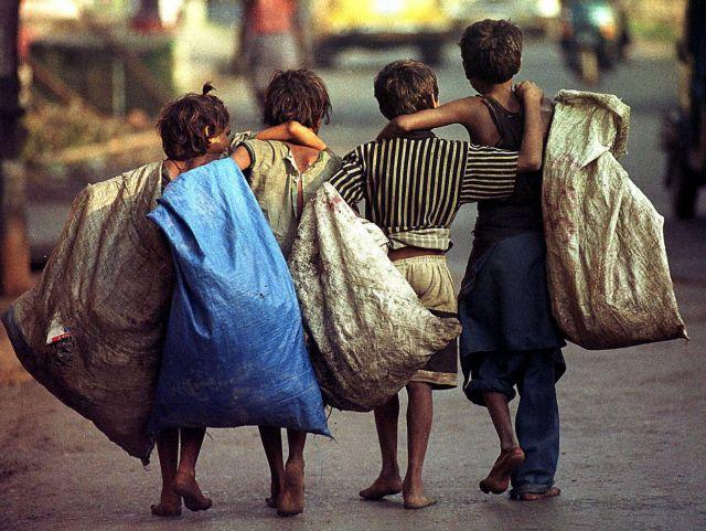 «Παιδιά – σκλάβοι» στη Θεσσαλονίκη: Σοκαριστικά στοιχεία για την παιδική εργασία | tanea.gr