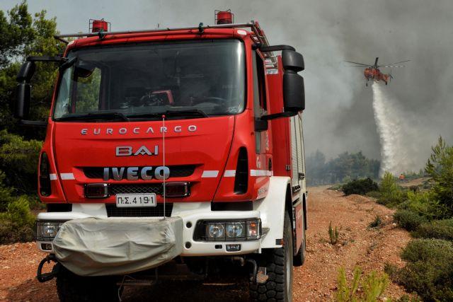 Εικόνα αποσύνθεσης στην Πυροσβεστική: Δεκάδες παροπλισμένα οχήματα | tanea.gr