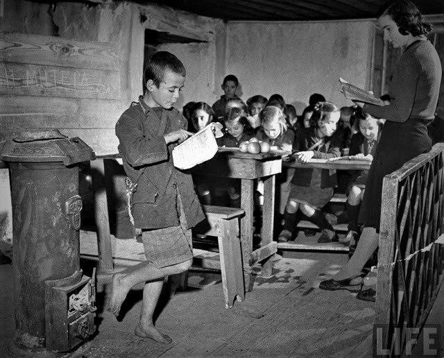Φωτογραφίες που συγκινούν: Σχολεία και μαθητές από μια Ελλάδα που δεν υπάρχει πια | tanea.gr