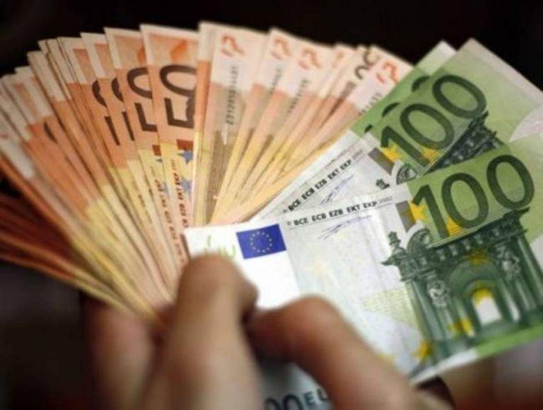 Πέφτει... τρελό προεκλογικό χρήμα σε εκατομμύρια συνταξιούχους   tanea.gr