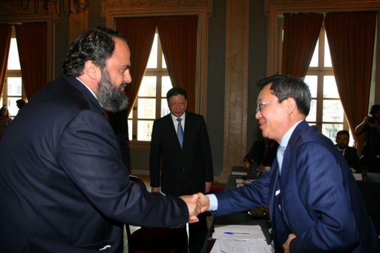 Ισχυροί επιχειρηματικοί και πολιτιστικοί δεσμοί ενώνουν τον Πειραιά με την Σαγκάη | tanea.gr