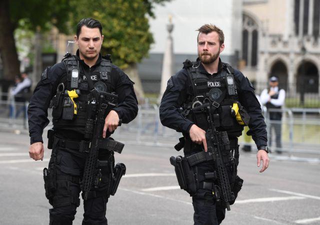 Συνελήφθησαν τρομοκράτες που είχαν συγκεντρώσει εκρηκτικές ύλες σε χώρους του βορειοδυτικού Λονδίνου | tanea.gr