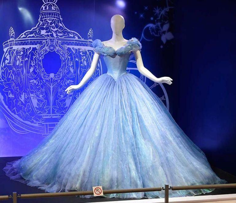 Σε μια έκθεση όλα τα αγαπημένα κοστούμια της Disney | tanea.gr