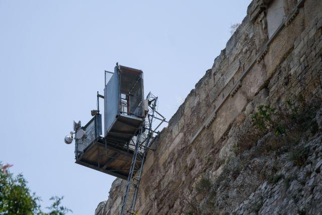 Στην αντεπίθεση οι Αρχαιολόγοι για το αναβατόριο ΑμεΑ στην Ακρόπολη | tanea.gr