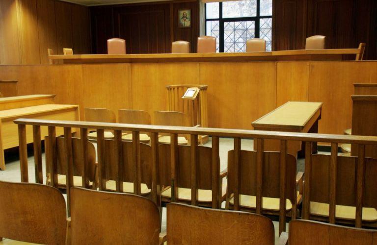 Ένοχοι δύο από τους πέντε κατηγορούμενους για τον θάνατο του 24χρονου Ν. Κωνσταντίνου | tanea.gr
