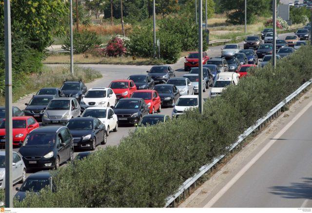 Βόλος: Ουρές 15 χιλιομέτρων στην έξοδο προς Πήλιο | tanea.gr
