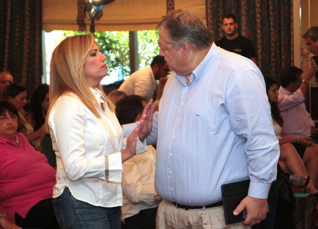 Η Φώφη έδιωξε τον Βενιζέλο προκαλώντας ραγδαίες εξελίξεις   tanea.gr