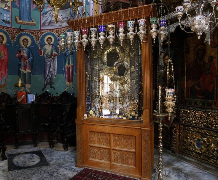 Άγιο Όρος: Σε εξέλιξη οι έρευνες για τον εντοπισμό του ιερόσυλου που έκλεψε τάματα | tanea.gr