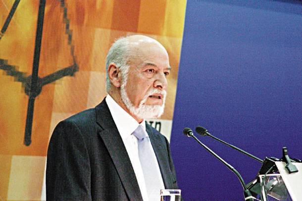 Δημοσία δαπάνη η κηδεία του Ροδόφλου Μορώνη   tanea.gr