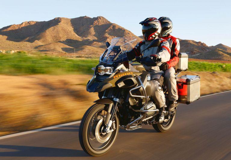 Ταξίδι με τη μοτοσικλέτα: Πως θα γλιτώσετε ευρώ από την τσέπη σας   tanea.gr