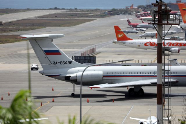 Reuters: Αεροσκάφος της ρωσικής πολεμικής αεροπορίας προσγειώθηκε στη Βενεζουέλα | tanea.gr