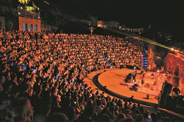 «Οιδίπους τύραννος», «Υψωμα 731» και Λόρκα στο Φεστιβάλ  Ανδρου | tanea.gr