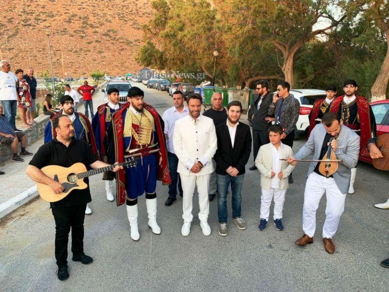Ο λαμπερός γάμος του Στράτου Τζώρτζογλου στην Κρήτη   tanea.gr