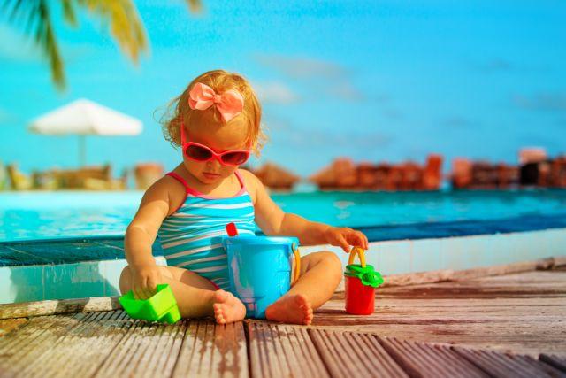 Πώς δεν θα κινδυνέψει το παιδί στην πισίνα   tanea.gr