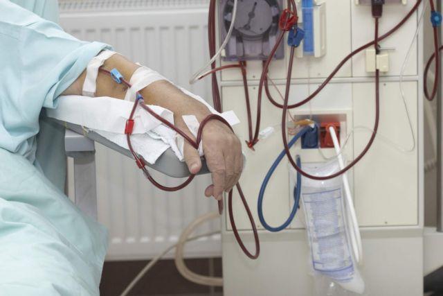 Μονάδες Αιμοκάθαρσης: SOS λόγω της αύξησης του clawback στον ΕΟΠΥΥ   tanea.gr