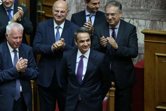 Μητσοτάκης κατά Τσίπρα : Η μείωση του ΕΝΦΙΑ αφορά τη μεσαία τάξη | tanea.gr