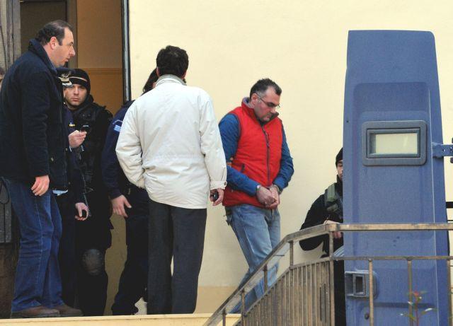 Δολοφονία Αλέξανδρου Γρηγορόπουλου: Ένοχος ο Κορκονέας - Αθώος ο Σαραλιώτης | tanea.gr