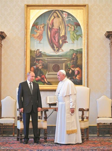 Συνάντηση δύο ηγετών και δύο άλλων κόσμων | tanea.gr