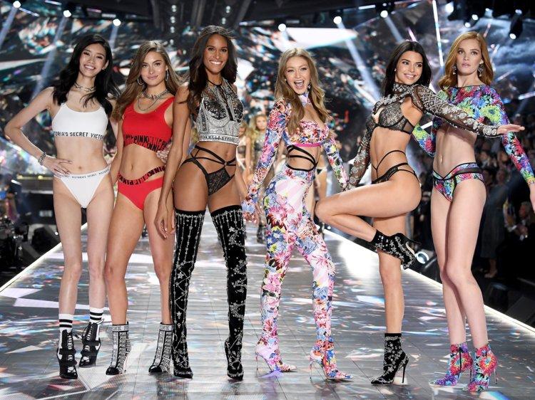 Τα αγγελάκια της Victoria Secret αναστατώνουν ξανά | tanea.gr