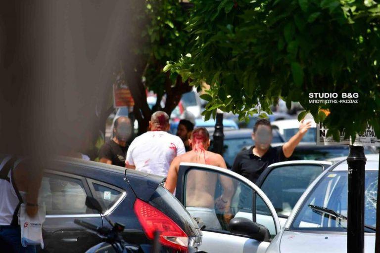 Βίντεο : Αγριο ξύλο μεταξύ Ρομά στο κέντρο του Ναυπλίου | tanea.gr