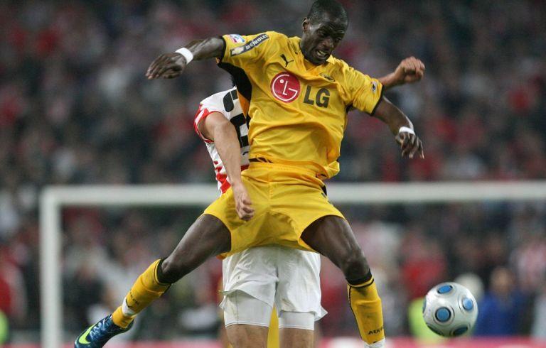 Ποια σύνταξη; Συνεχίζει το ποδόσφαιρο στα 37 ο Εντίνιο | tanea.gr