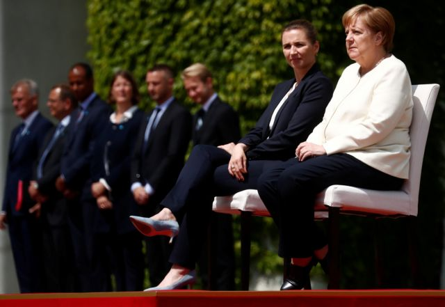 Καθιστή καλωσόρισε την πρωθυπουργό της Δανίας η Μέρκελ   tanea.gr