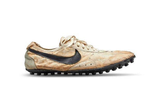 Στο σφυρί σπάνια αθλητικά παπούτσια | tanea.gr