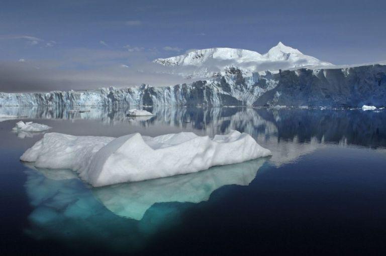 Οι θαλάσσιοι πάγοι της Ανταρκτικής έχουν συρρικνωθεί δραματικά | tanea.gr