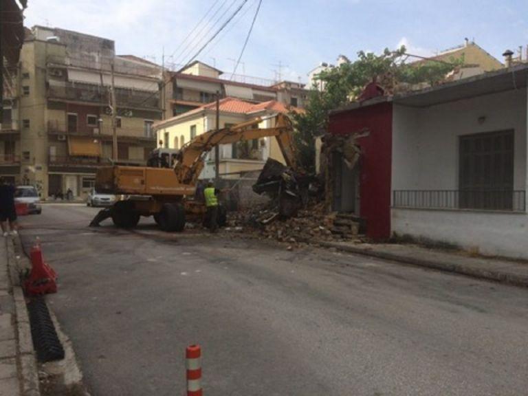 Τέλος η κατάληψη «Μπρούκλυν» στα Γιάννενα – Κατεδαφίστηκε το οίκημα | tanea.gr