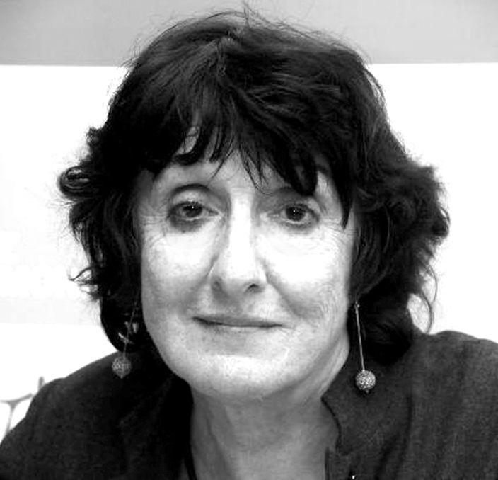 Η Ελένη Πορτάλιου αναζητάει τη μνήμη στα χαλάσματα της ιστορίας | tanea.gr