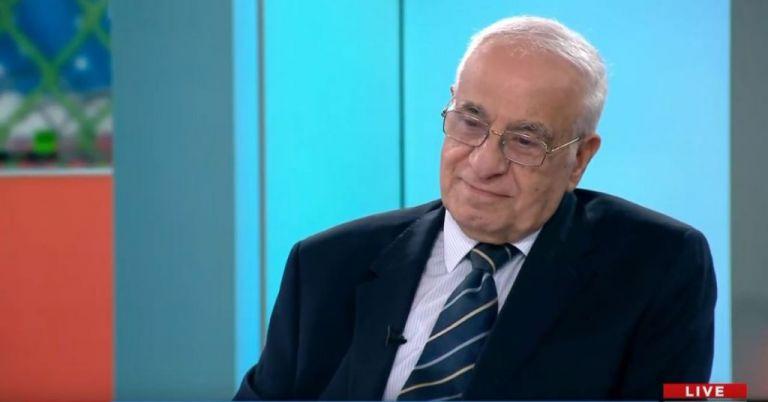 Ο Έλληνας που έζησε την κατάκτηση της Σελήνης στο One Channel   tanea.gr