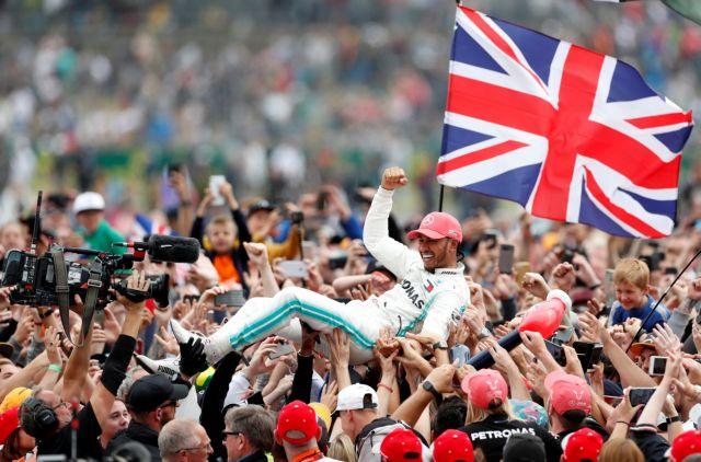 Formula 1 : Κυρίαρχος στην… έδρα του ο Χάμιλτον, φουλ για τον 6ο τίτλο | tanea.gr