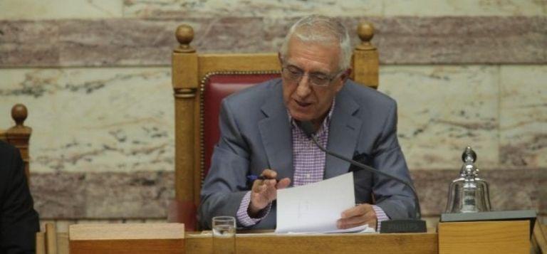 Ποιοι είναι οι 5 βουλευτές που δεν ψήφισαν Νικήτα Κακλαμάνη;   tanea.gr
