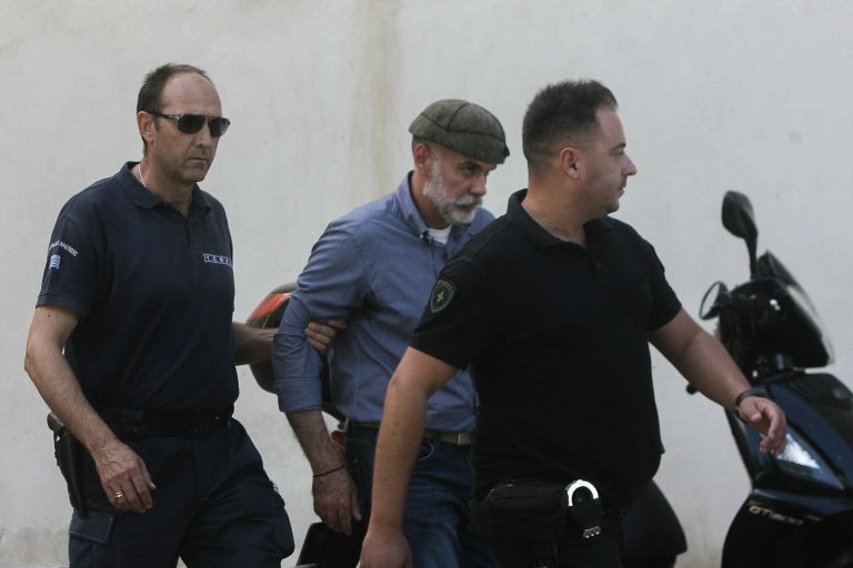 Αποφυλακίστηκε ο Επαμεινώνδας Κορκονέας | tanea.gr