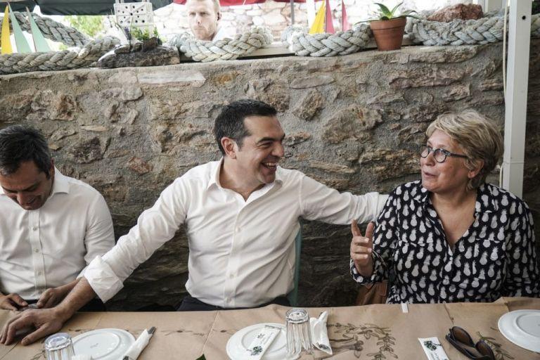Στο Λαύριο για γεύμα με τους δημοσιογράφους ο Αλέξης Τσίπρας | tanea.gr