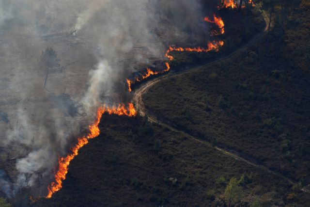 Πύρινος εφιάλτης στην Πορτογαλία: Είκοσι τραυματίες από τις μεγάλες πυρκαγιές | tanea.gr